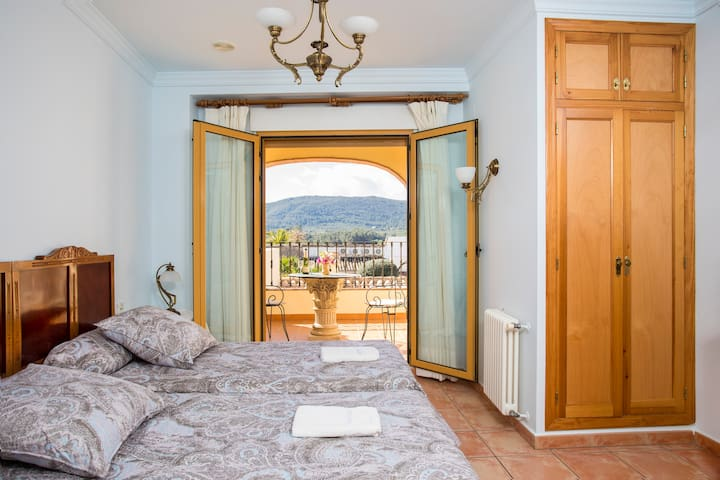 Casa Rosa - Double/Twin Bed with Terrace FFB