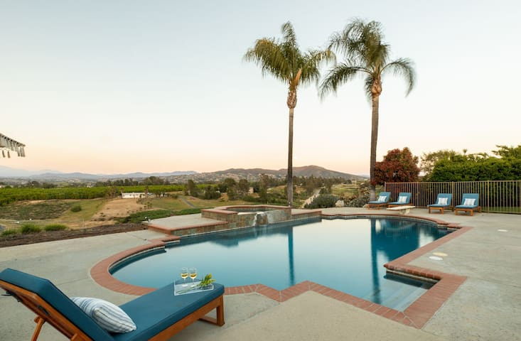 Willow by AvantStay | Mountain Views - See Hot Air Balloons from Pool