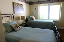 This is the twin bed bedroom