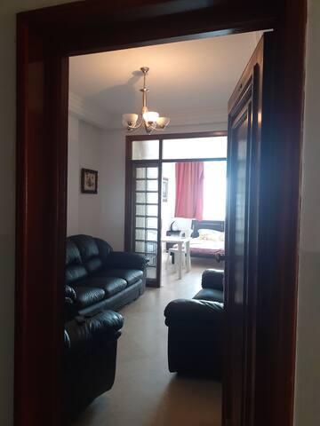 Bel appartement s+1 de qlité avec une vue sur mer.