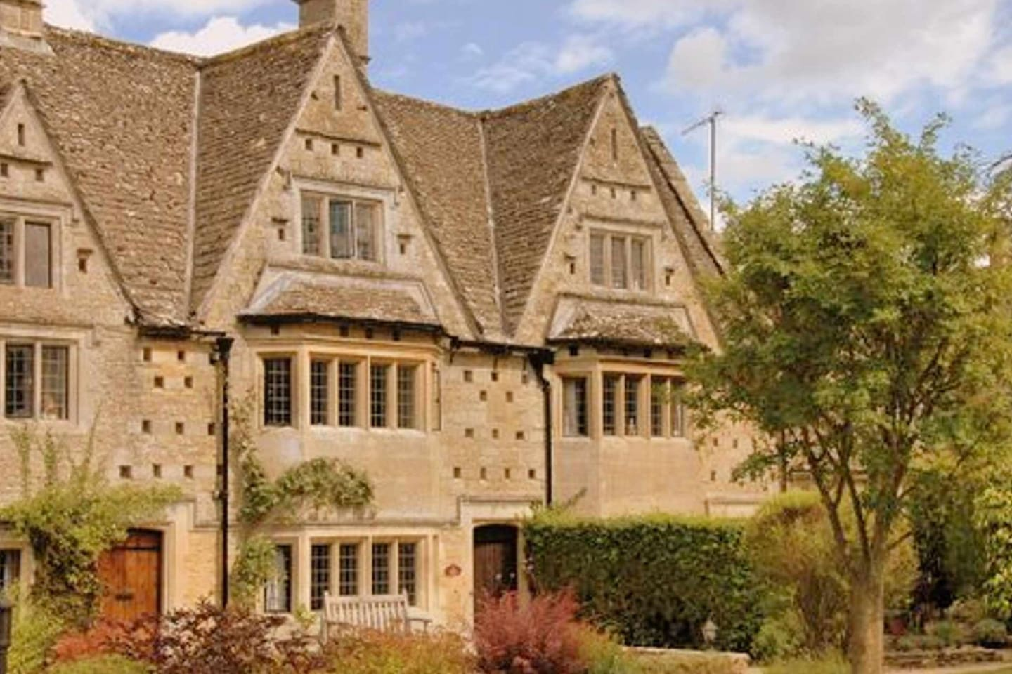 Welcome to the impressive, Grade II* listed, Middle Gable The Old Hall
