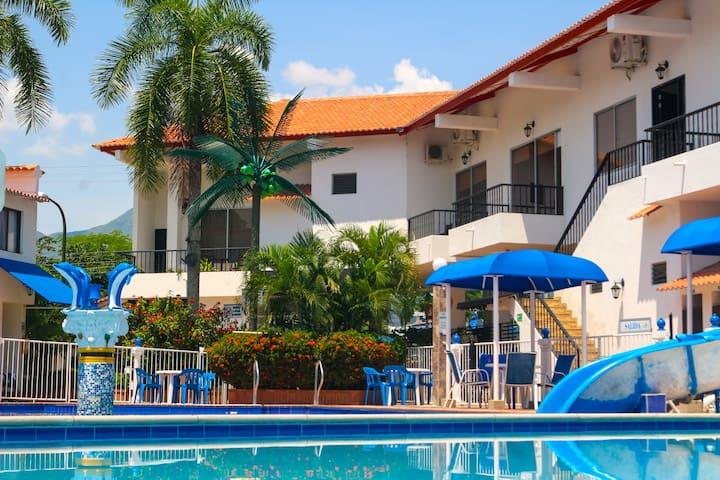 Habitación Privada para 2 Hotel en Melgar