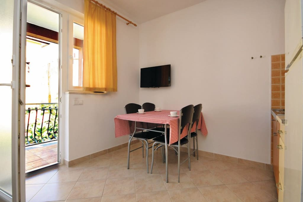 -fully furnished,clean and quiet