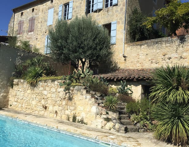 'MAISON DE MAITRE' WITH POOL IN MEDIEVAL VILLAGE