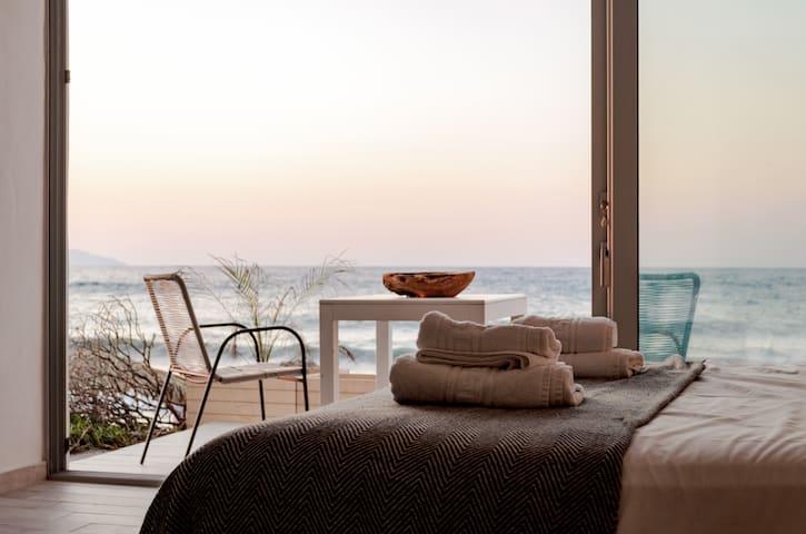 Esperanto seafront luxury studio