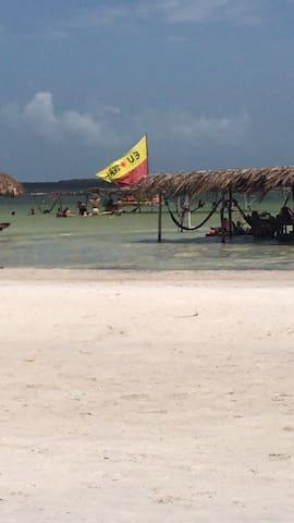 Quarto no Sítio a 5 m de carro da lagoa do Paraíso