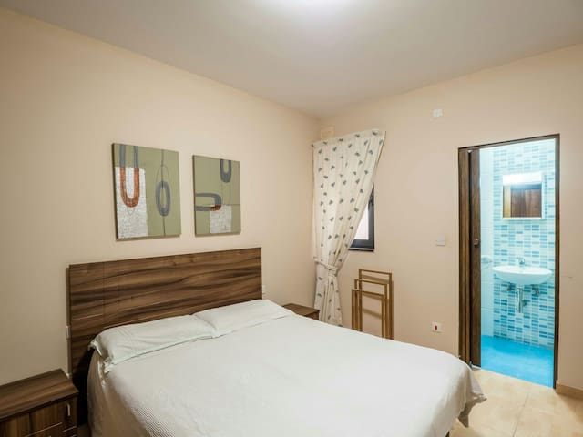 Oasis of Calm-private room ensuite - Ħ'Attard - Apartment