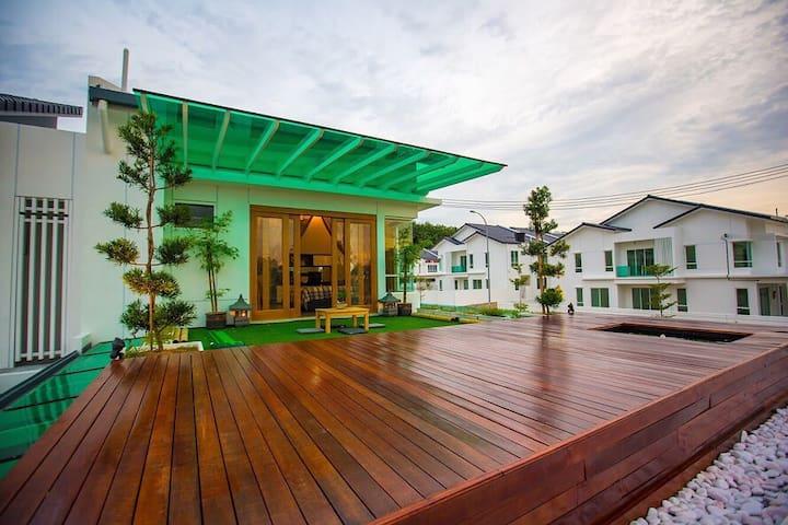 Dtempat Sendayan Resort Home Experience