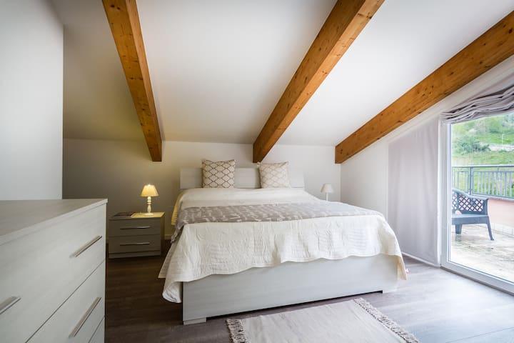 Gli Ulivi - attico con vista lago - Argegno - Apartament