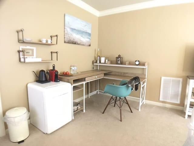 Private work place and kitchenette