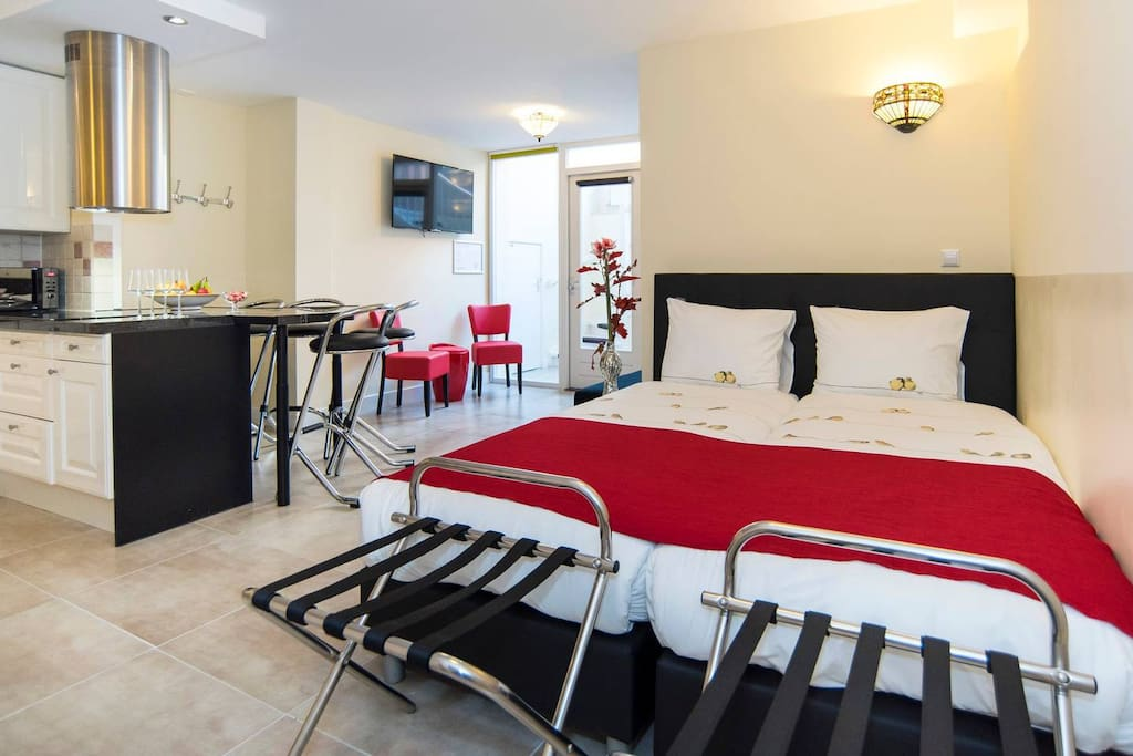 Two single beds with quality matressess