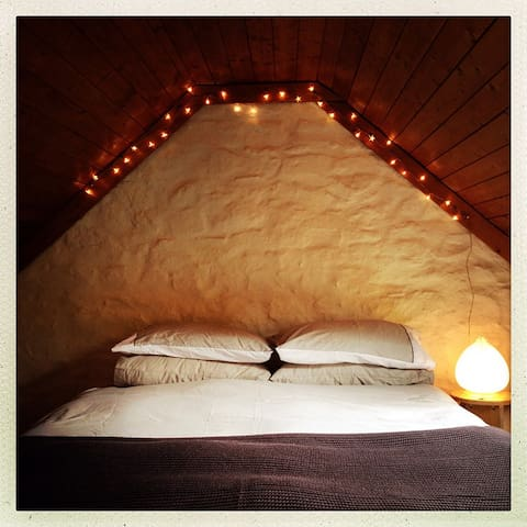 Cosy mezzanine sleeping area
