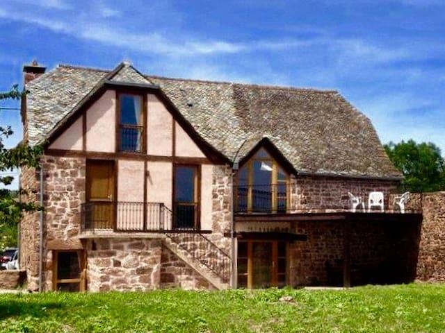 Maison ancienne de caractère - Marcillac-Vallon