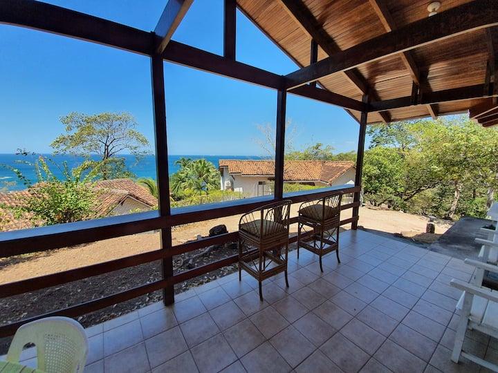 Preciosa villa en un lugar privilegiado playa real