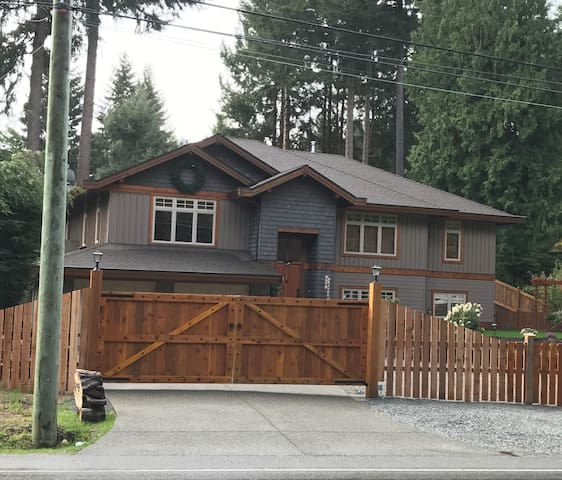 Studio B&B by the Beach - Qualicum Beach - Apartment