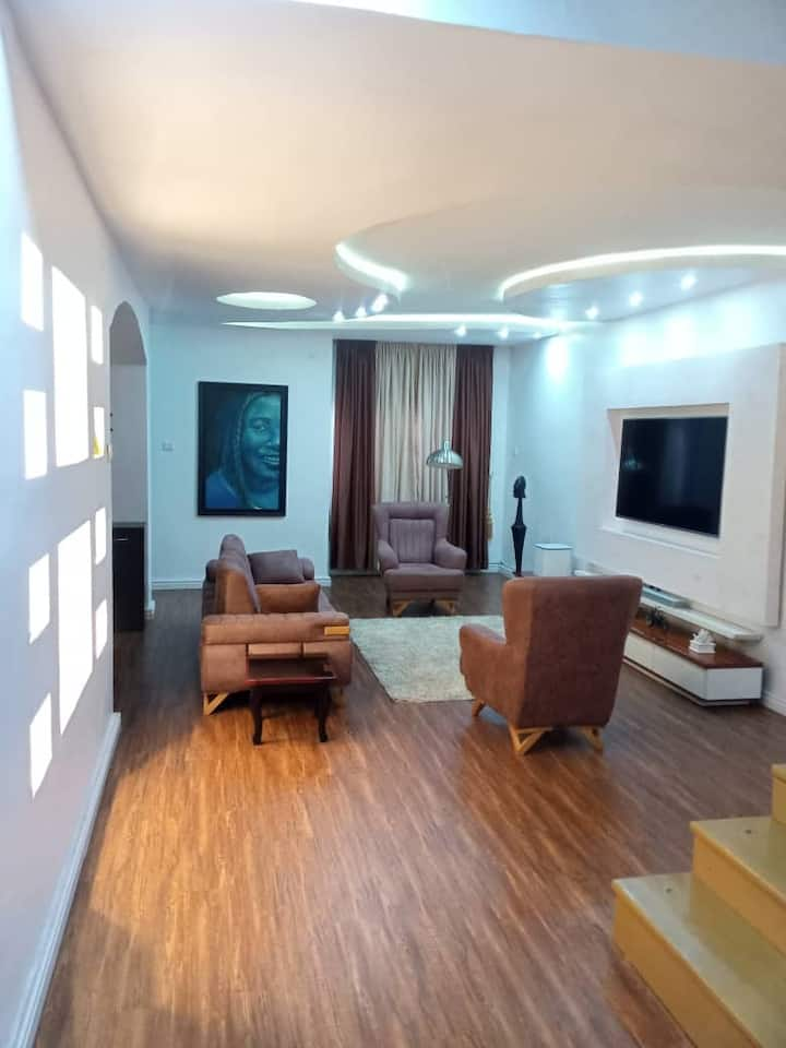 A Private Room in a Cozy Apartment in Lekki Ph1