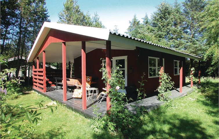 Holiday cottage with 1 bedroom on 60m² in Brovst
