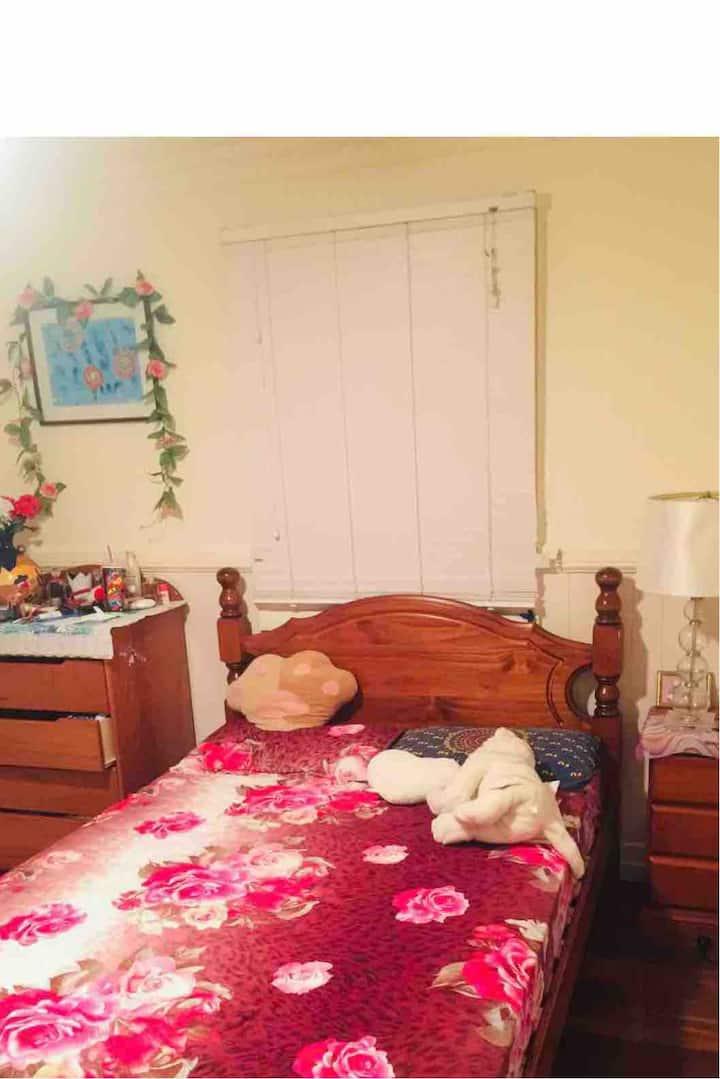 155 Ryhill Rd room 6