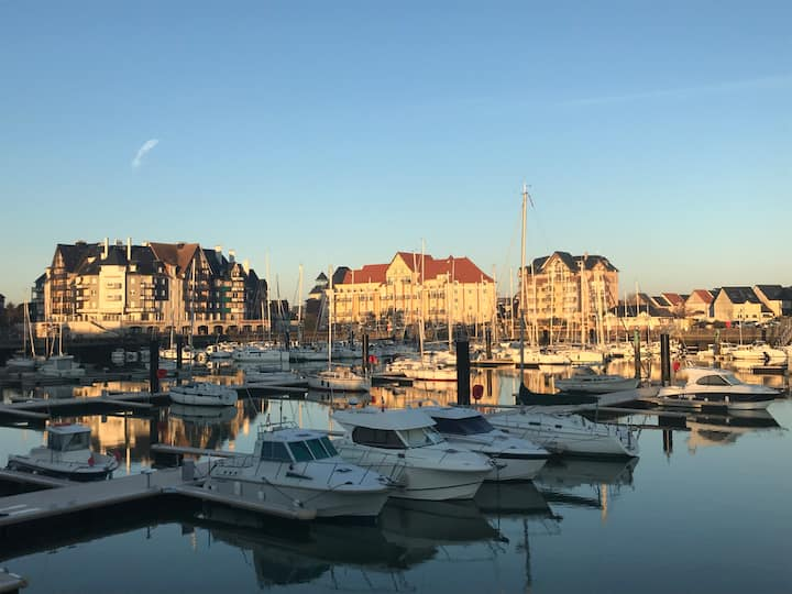 Très beau Duplex plein Sud Piscine-En face du port