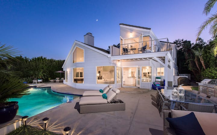 Exceptional Ocean View Contemporary Home!