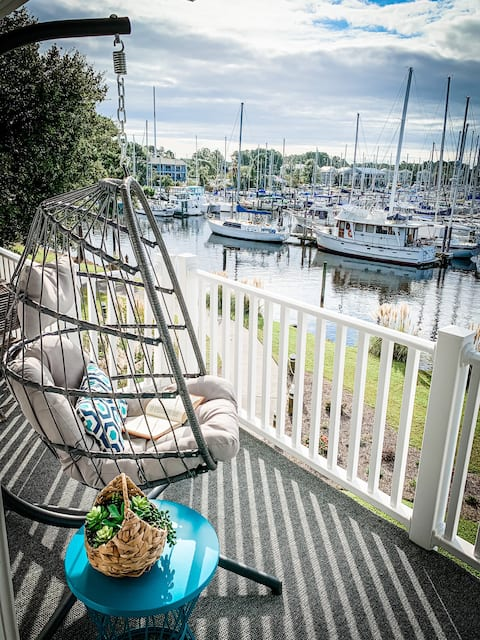 Salty Sweet Retreat - Entire waterfront condo with million dollar views