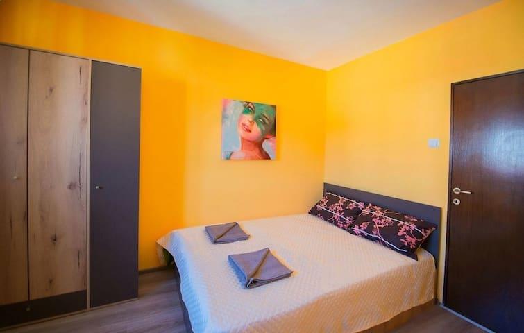Luna apartment – bedroom Postavaru3