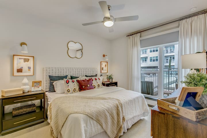 *NEW* Ft Worth W 7th | Luxurious 2BR Apt by Locale