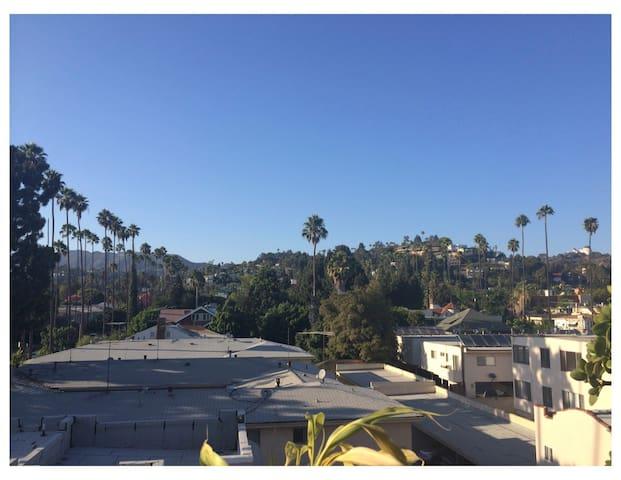 Hollywood Bungalow Apt w/ Breathtaking Views