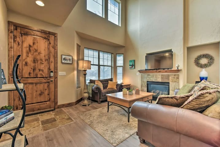 Central Park City Home Perfect for Bike & Hikes