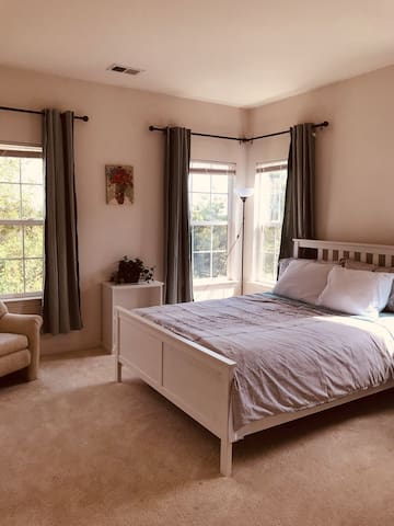 Nice family rooms&four people in two rooms near DC