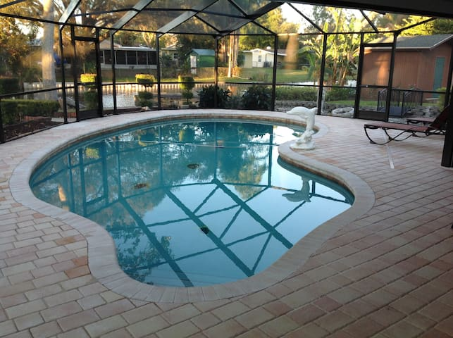 Our Home is your home with a beautiful heated pool - Winter Haven - Hus