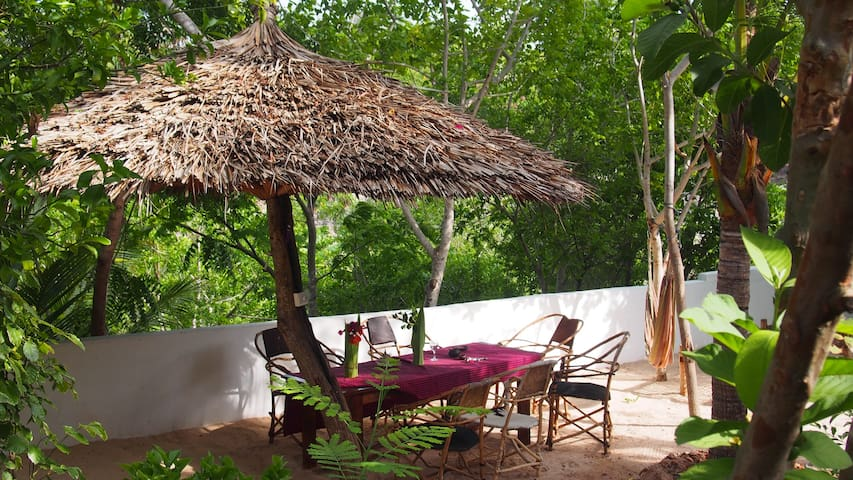 Caveman Lodge: Dhow Room
