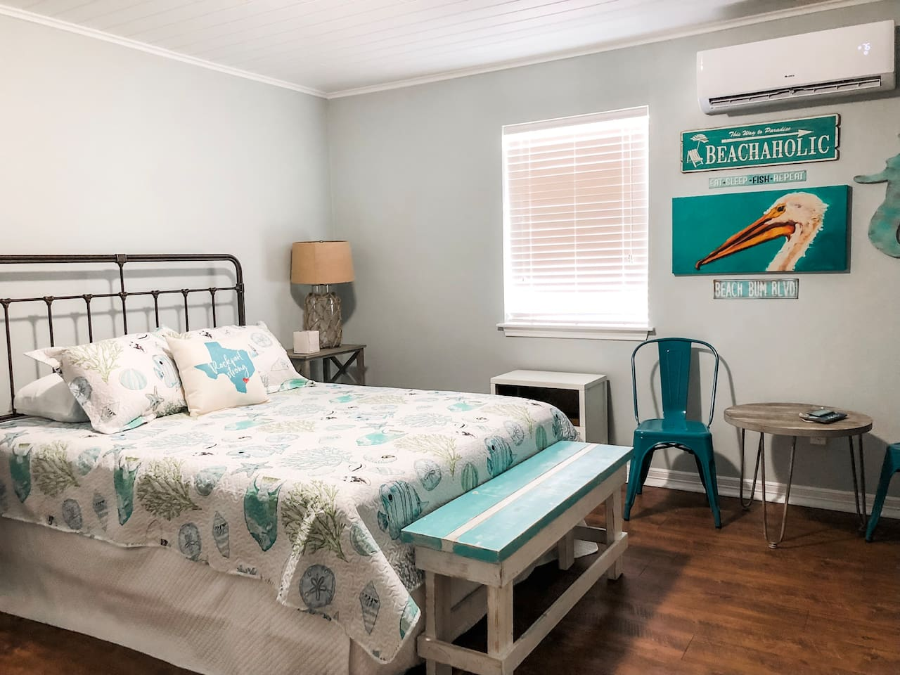 Feeling some Coastal Vibes in Cottage #1!