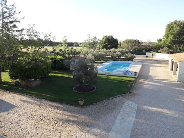 Villa climatisée avec piscine en campagne