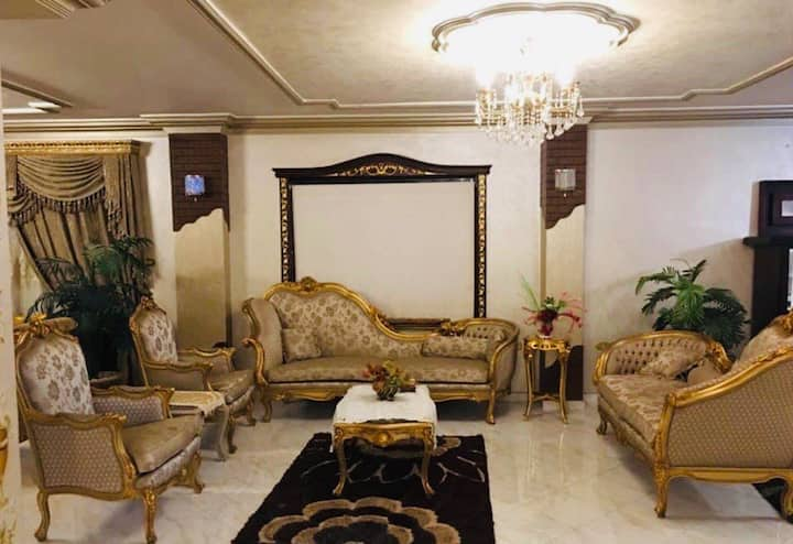 Royal Pyramids Palace Residence King Suite