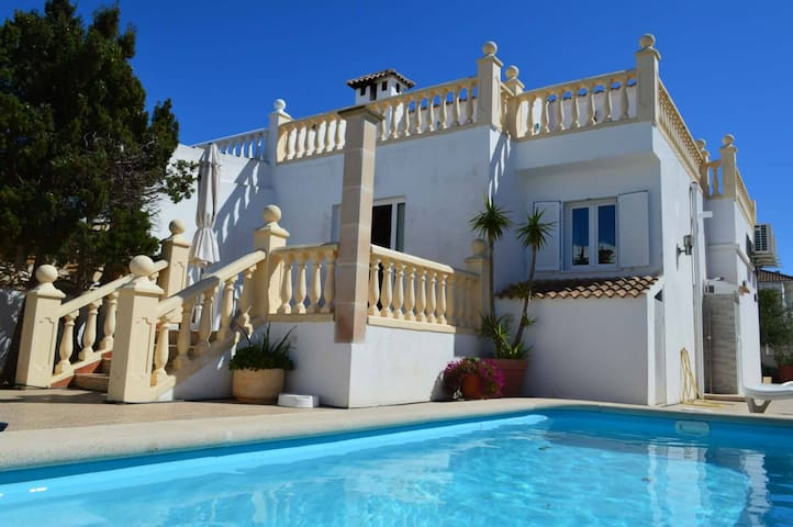 villa with swimming pool - Llucmajor - Huis
