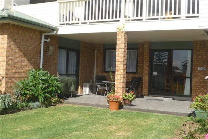 Silver Sands Holiday Acommodation - Waihi Beach - Apartment