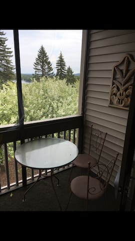 Great 3B/2B Condo with views of Lake Winnipausakee - Laconia - Apartemen