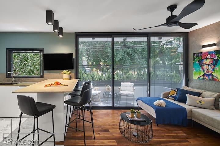 Most Beautiful Home in Tel Aviv! 2BR/2BT/2Parking
