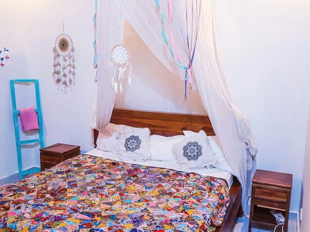 Cosy room(+kitchen)in Penestanan closs centre ubud
