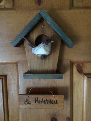 Merlebleu, Bluebird Room