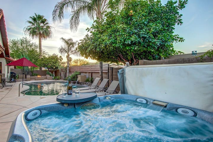Scottsdale Luxury Home-Best Location ❤️ Heated Pool-Spa-Pool Table-Foosball-Boccie-Fire Pit-BBQ.