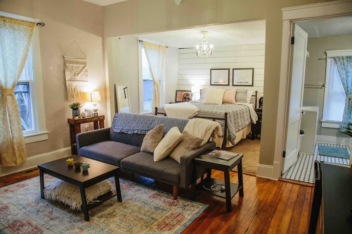 Historic Craftsman Retreat 5 Min to Downtown & UT