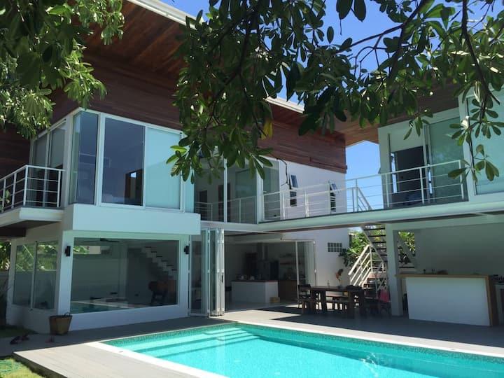 14 Knots Architect Beach house 150m from beach
