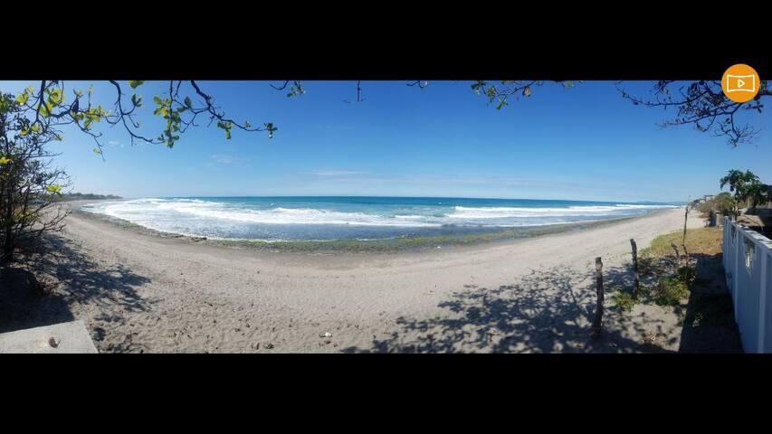 Beachfront Studio - Elyu