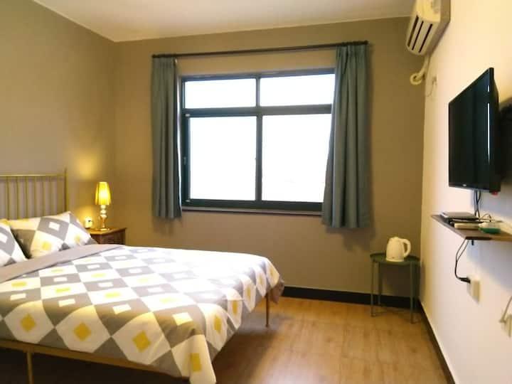 B02二楼邻海新房视野开阔朝南面…简约美式舒适全新铁艺床…