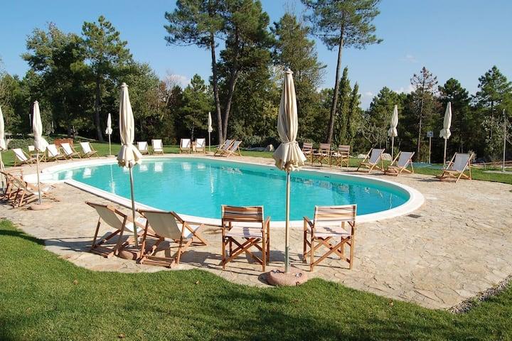 Vieille maison de vacances avec piscine en Toscane