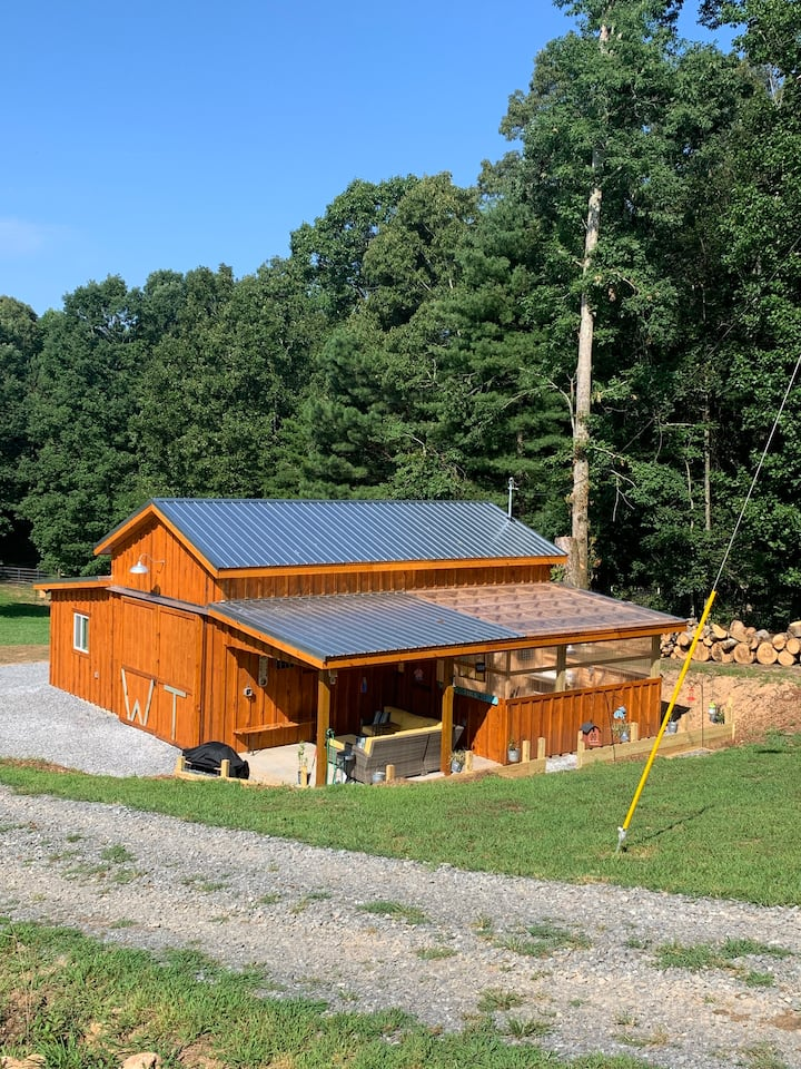 Wagging Tails farm Farm Stay-Pet Friendly