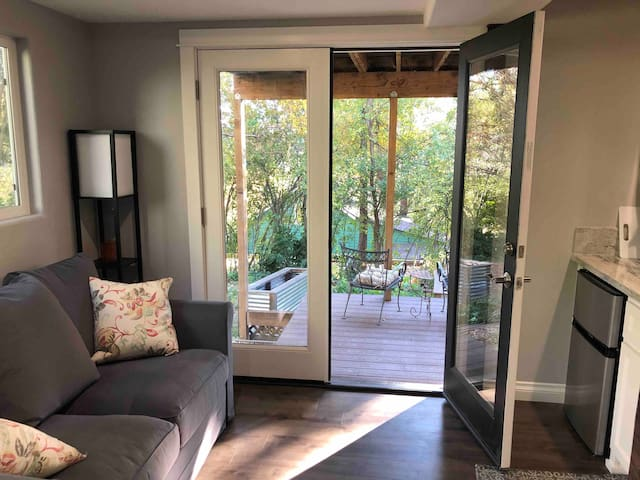 Grass Valley Garden Suite - Walk to Downtown!