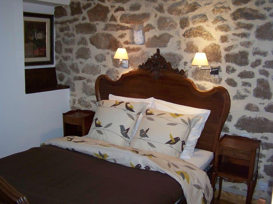 Chambres et table d 39 h tes les3cochons d 39 olt chambres d 39 h tes louer arcambal midi - Chambre d hote saint geniez d olt ...